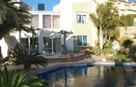 4 bedroom houses for sale in Costa Dorada. Villa – Mont-roig del Camp, Catalonia, Spain