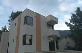 4 bedroom houses by the sea for sale in Sutomore. New house 300 meters from the sea Zagradzhe, Sutomore, Montenegro. Urgent sale!