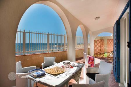 Coastal villas and houses for rent in Sicily. Villa - Calabernardo, Sicily, Italy