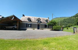 2 bedroom houses for sale in France. Comfortable villa with a spacious garden and a forest plot, 25 minutes from Lourdes, France