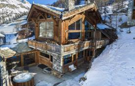 Chalet with a terrace, a sauna, a mountain view and a parking, Val d'Isère, Savoie, France for 10,000,000 €