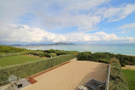 Luxury 4 bedroom houses for sale in Alcudia. Villa – Alcudia, Balearic Islands, Spain