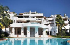 Penthouses for sale in Costa del Sol. Two-level penthouse with sea views in Marbella, Costa del Sol, Spain
