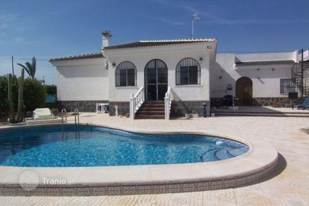 Property for sale in Los Montesinos. Villa of 3 bedrooms with pool and BBQ area in Los Montesinos