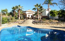 Houses with pools for sale in Mijas. Villa for sale in Mijas Golf, Mijas Costa