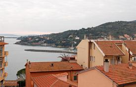 Residential for sale in Porto Santo Stefano. Attractive apartment recently renovated for sale in Tuscany, Monte Argentario