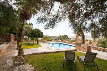 4 bedroom villas and houses to rent in Majorca (Mallorca). Detached house – Majorca (Mallorca), Balearic Islands, Spain