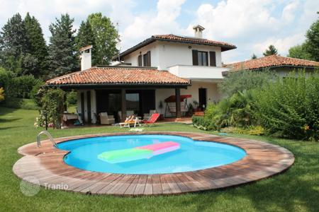 Coastal houses for sale in Lombardy. Villa – Varese, Lombardy, Italy