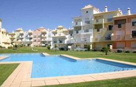 Apartments with pools for sale in Portugal. One-bedroom apartment in a residential complex with pools, Albufeira, Portugal