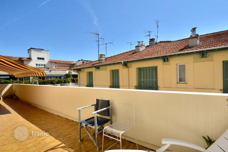 Coastal property for sale in Nice. Apartment – Nice, Côte d'Azur (French Riviera), France