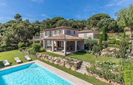 Villas and houses to rent in Gassin. Luxury villa close to the Village of Gassin
