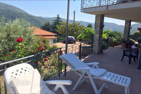 Townhouses for sale in Liguria. Terraced house – Liguria, Italy