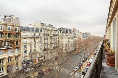 1 bedroom apartments for sale in Paris. Paris 7th District – An ideal pied a terre