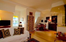 Nice, 3 rooms apartment on lastly floor in beautiful bourgeois building for 440,000 €