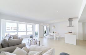 New homes for sale in Balearic Islands. Furnished apartment with two terraces and a sea view, Palma de Mallorca, Spain