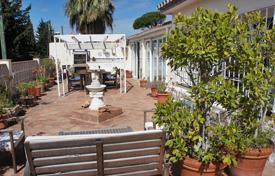 Coastal townhouses for sale in Costa del Sol. Townhouse in a residence with swimming pool and barbecue, 1 km from the sea, in Marbella, Malaga, Spain