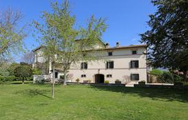 Property for sale in Spoleto. Luxury Farmhouse for Sale in Umbria