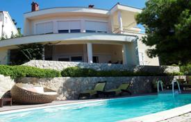 Luxury property for sale in Croatia. Bright villa with a balcony and a pool on the first line from the sea, Primosten, Šibensko-Knin County, Croatia