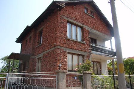 Cheap residential for sale in Dolna Banya. Detached house – Dolna Banya, Sofia region, Bulgaria