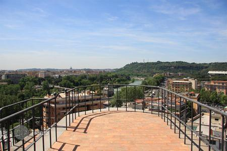 Coastal penthouses for sale in Rome. Luxury apartment for sale in Rome — Ponte Milvio