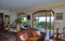 5 bedroom houses by the sea for sale in Bordighera. Villa in the center of Bordighera, Italy. House with panoramic views, spacious terraces and a picturesque garden