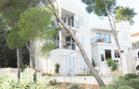 3 bedroom houses by the sea for sale in Croatia. Modern villa with a patio, a barbecue, a parking and a sea view, Milna, Croatia