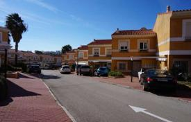 Cheap houses for sale in Andalusia. Townhouse in La Duquesa, Manilva