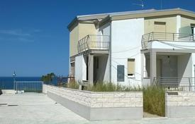 3 bedroom houses for sale in Abruzzo. Villa for 3 families in Abruzzo, Italy