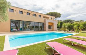 Luxury residential for sale in Gassin. Near Saint-Tropez — New villa with sea view