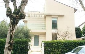 Coastal houses for sale in Rimini. Three-storey HI-TECH style house in Rimini, Italy