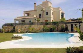 Property for sale in Castille and Leon. South facing, fully furnished townhouse