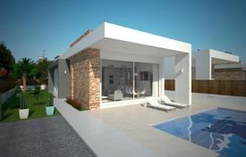 Coastal houses for sale in Costa Blanca. Villa with a pool and a garden in Torrevieja, El Chaparral district
