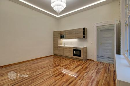 2 bedroom apartments for sale in Hungary. Apartment with new renovation in residential house, Budapest, Hungary. Yield of 10–12%