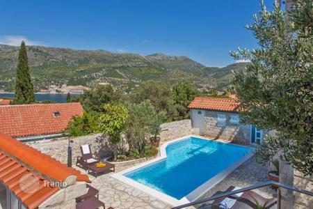 Property for sale in Dubrovnik Neretva County. Furnished villa with a swimming pool and a sea view, Zaton, Croatia