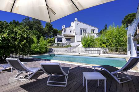 Property for sale in Vence. Saint Paul de Vence, provencal house of 375 sqm