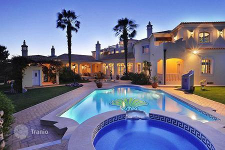 Luxury 5 bedroom houses for sale in Algarve. Magnificent Villa in Quinta do Lago, Portugal