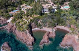 Luxury property for sale in Theoule-sur-Mer. Waterfront property — Unique