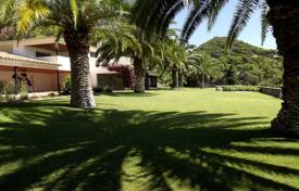 Luxury 4 bedroom houses for sale in Costa Brava. Villa – Begur, Catalonia, Spain