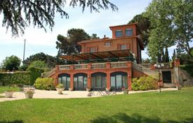 Houses for sale in Perugia. Luxury villa for sale in Umbria