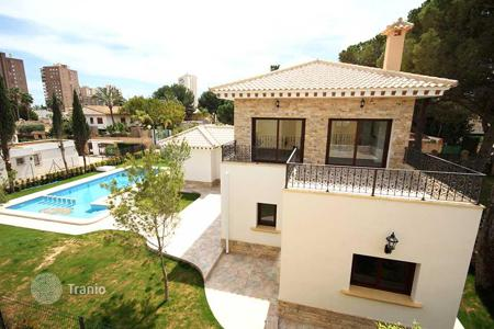 Houses with pools for sale in Spain. Villa – Alicante, Valencia, Spain