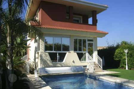 Coastal houses for sale in Costa Dorada. Detached house - Tarragona, Catalonia, Spain