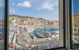 4 bedroom apartments for sale in Nice. Nice Port, atypical duplex apartment with sea view and parking