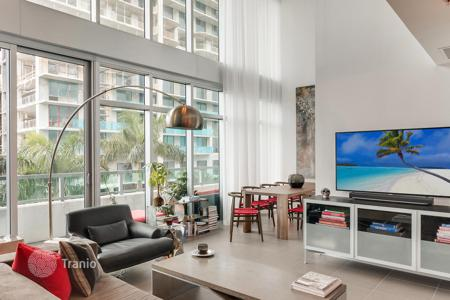 1 bedroom apartments for sale overseas. Duplex apartment with panoramic windows and a spacious balcony, Miami, Florida, USA