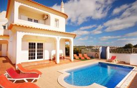 Property to rent in Faro. Detached house – Albufeira, Faro, Portugal
