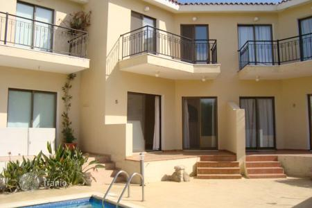 Houses with pools for sale in Emba. Three Bedroom Maisonette