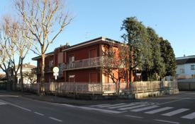 Townhouses for sale in Lombardy. Terraced house – Cernusco Sul Naviglio, Lombardy, Italy