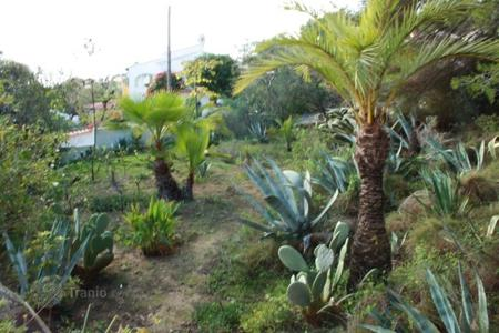 Land for sale in Senija. South facing land with sea views only ten minutes from the beaches in Benissa