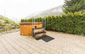 Residential for sale in Salzburg city. Penthouse in a few minutes away from the ski lift, Untertauern. In the house there is a wellness area with sauna