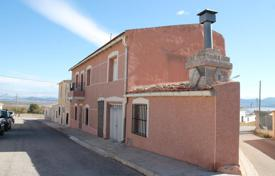 Coastal townhouses for sale in Murcia. Terraced house – Yecla, Murcia, Spain
