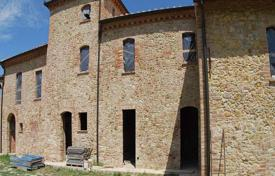 Two-level stone villa with panoramic views in San Gimignano, Tuscany, Italy for 600,000 €